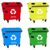 Grote containers voor recyclingsafval het sorteren, kringloopbak stock fotografie