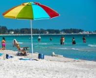 Grote dag op het strand Royalty-vrije Stock Foto's
