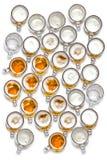 Grote die groep bierglazen vanaf bovenkant worden gezien royalty-vrije stock foto