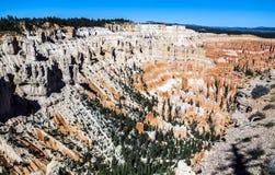 Grote die spitsen weg door erosie worden gesneden Stock Fotografie