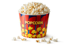 Grote emmer popcorn Stock Afbeeldingen