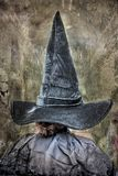 Grote en lange pointy heksenhoed voor Halloween royalty-vrije stock afbeelding