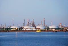 Grote fabriek in Spanje. Stock Afbeeldingen