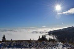 Grote Fatra-bergen - zonnige dag in de vroege winter Stock Foto's