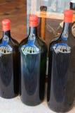 Grote flessen wijn Royalty-vrije Stock Afbeeldingen