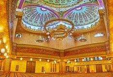 Grote gebedzaal van Al Sahaba-moskee in Sharm el Sheikh, Egypte Stock Fotografie