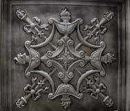 Grote gedetailleerde close-upmening van de donkere zilveren, metaal, binnenlandse tegels van de plafonddecoratie Royalty-vrije Stock Foto's