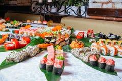 Grote gemengde reeks van sushimaki Stock Afbeelding