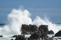 Grote golven die neer verpletteren Stock Fotografie