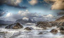 Grote golven en stormachtig weer Stock Fotografie