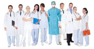Grote groep artsen en verpleegsters Royalty-vrije Stock Fotografie