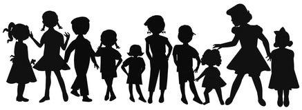 Grote groep kinderen van verschillende leeftijden Stock Fotografie