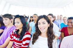 Grote Groep Student in de Conferentiezaal Stock Afbeeldingen
