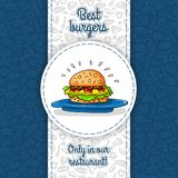 Grote hamburger met kaas, saus die, twee burgers, sla, op grote blauwe plaat liggen Het vectorwerk voor vliegers, menu's, verpakk Royalty-vrije Stock Foto