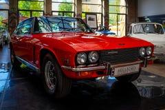 Grote het reizen auto Jensen Interceptor MkII, 1971 royalty-vrije stock afbeeldingen