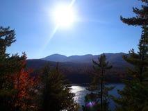 Grote hicking dag bij de berg royalty-vrije stock fotografie
