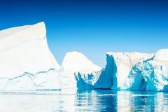 Grote ijsberg in Ilulissat icefjord, Groenland royalty-vrije stock afbeeldingen