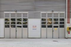 De deuren van de fabriek Stock Foto's