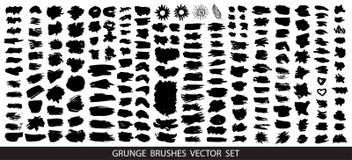Grote inzameling van zwarte verf, de slagen van de inktborstel, borstels, grungy lijnen, Vuile artistieke ontwerpelementen, vakje vector illustratie