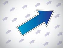 Grote kleurrijke blauwe pijl die andere pijlen leiden die zich op succes bewegen Royalty-vrije Stock Afbeelding
