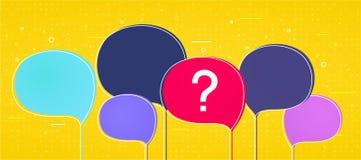 Grote kleurrijke toespraakbellen met een vraagteken op gele achtergrond Royalty-vrije Stock Afbeeldingen