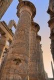 Grote kolommen in Karnak royalty-vrije stock fotografie