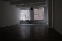 Grote lege concrete studio Stock Afbeelding