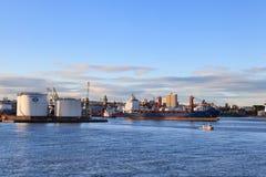 Grote leveringsboten in de haven van Aberdeen op 27 Januari 2016 Royalty-vrije Stock Afbeeldingen