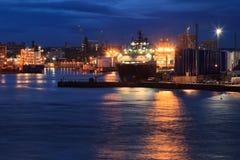 Grote leveringsboten in de haven van Aberdeen op 27 Januari 2016 Stock Foto's