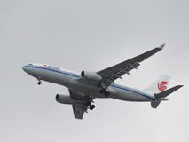Grote luchtbus A330-243 Air China Stock Afbeeldingen