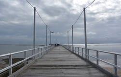 Grote meningen van Hervey Bay van de houten Urangan-pijler royalty-vrije stock afbeeldingen