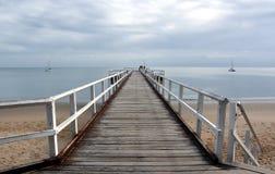 Grote meningen van Hervey Bay van de houten Urangan-pijler royalty-vrije stock foto's