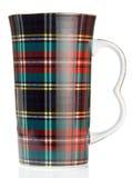 Grote mok met textuur van de geruite Schotse wollen stof de Schotse stijl Stock Afbeelding