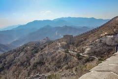 Grote Muur van China in de herfstseizoen in Peking stock foto