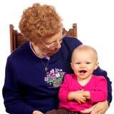 Grote Oma met Grote baby die van elkaar geniet Royalty-vrije Stock Fotografie