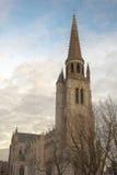 Grote oude herstelde kerk in Vlaanderen België sint-Medarduskerk Wervik stock afbeelding