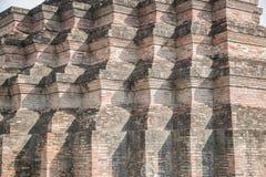 Grote oude tempel en mooie achtergrond Royalty-vrije Stock Afbeeldingen