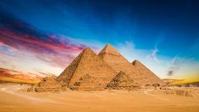 Grote Piramides van Giza stock afbeeldingen