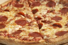 Grote pizza Stock Afbeelding