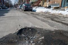Grote pothole in Montreal stock afbeeldingen
