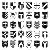Grote reeks heraldische schilden op witte achtergrond Stock Afbeeldingen