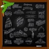 Grote reeks Kerstmis en nieuwe jaarellements het van letters voorzien met herten op zwarte Stock Afbeelding