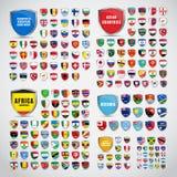 Grote reeks schilden met de vlaggen van de landen van Zuiden en vector illustratie