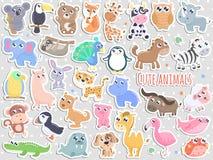 Grote reeks van de leuke vectorillustratie van beeldverhaal dierlijke stickers vector illustratie