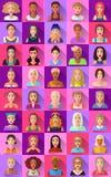 Grote reeks vlakke pictogrammen van diverse vrouwelijke karakters Royalty-vrije Stock Afbeeldingen
