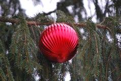 Grote rode Kerstmisdecoratie Stock Afbeelding