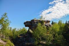 Grote rots met het intresting van vorm Royalty-vrije Stock Afbeelding