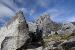 Grote Rotsen op de piek van Onderstel Kinabalu stock afbeeldingen