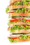 Grote sandwich met bacon en groenten royalty-vrije stock afbeeldingen