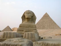 Grote Sfinx en Grote Piramide van Giza Royalty-vrije Stock Foto's